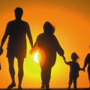 giovani famiglie politiche sociali